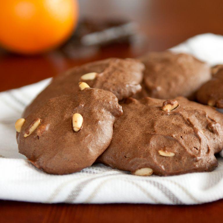 Ciastka czekoladowe z pomarańczą i orzeszkami