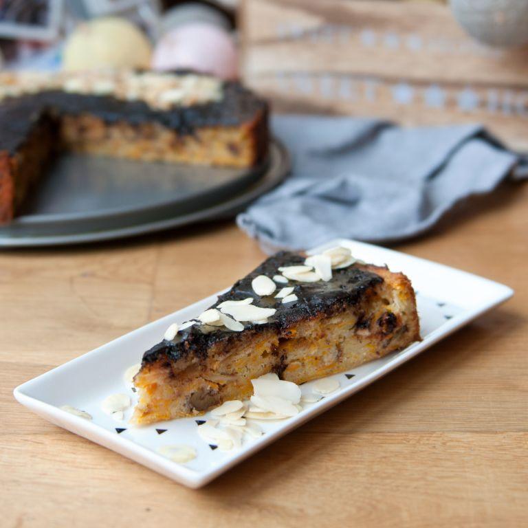Ciasto dyniowe z orzechami i polewą czekoladową