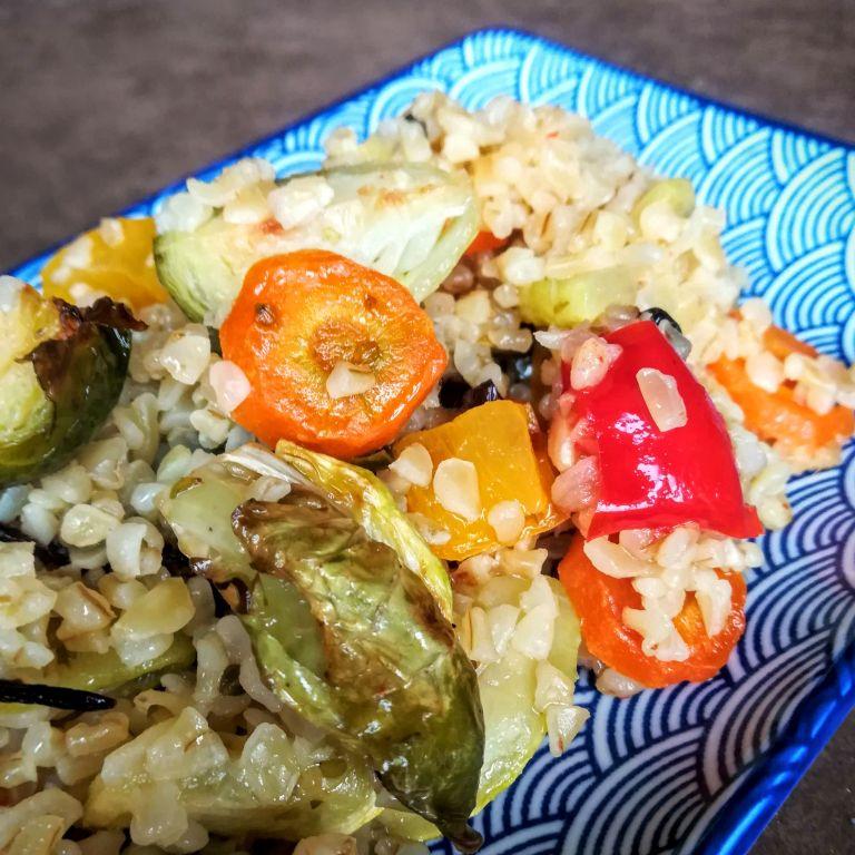 Bulgur z pieczonymi warzywami